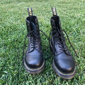 doc martin black lace up boots